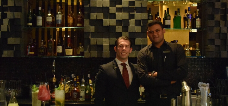 Thor de Mendoza & Gary Jones – Westin Doha's Hunters Room & Grill