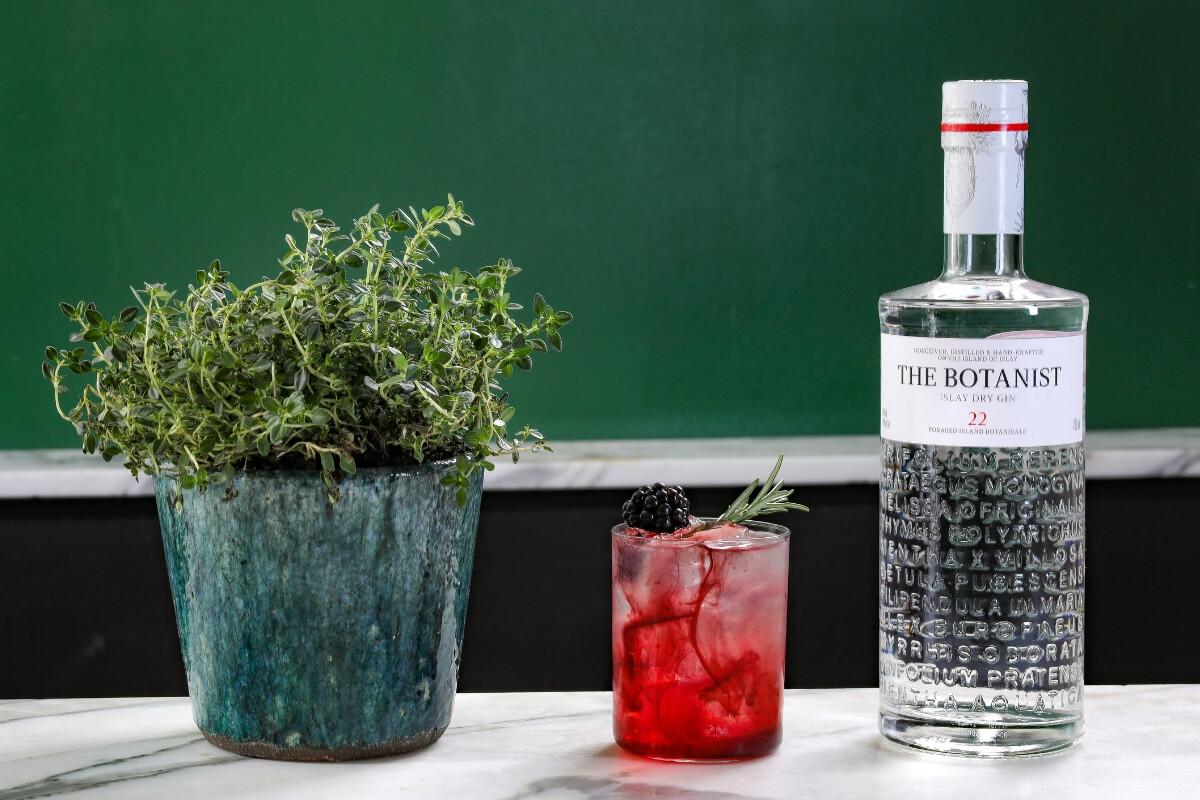 The Botanist Bramble – Valentine's Day Cocktail Recipe