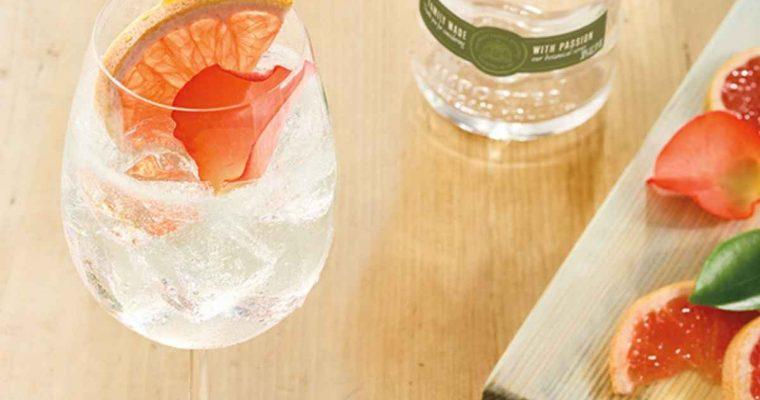 How to Make a Ketel One Botanical Grapefruit & Rose Spritz