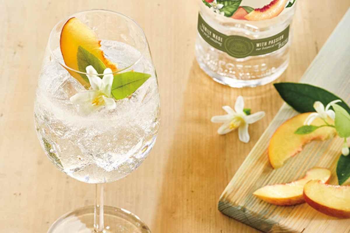 How to Make the Ketel One Botanical Peach & Orange Blossom Spritz