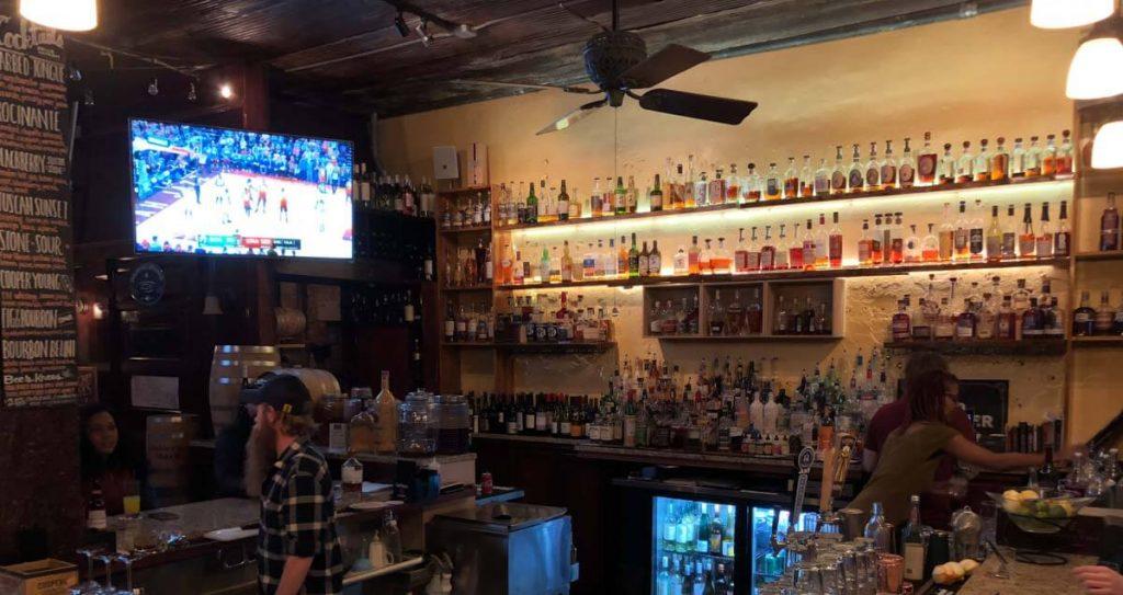 Memphis Bars - Belle Tavern