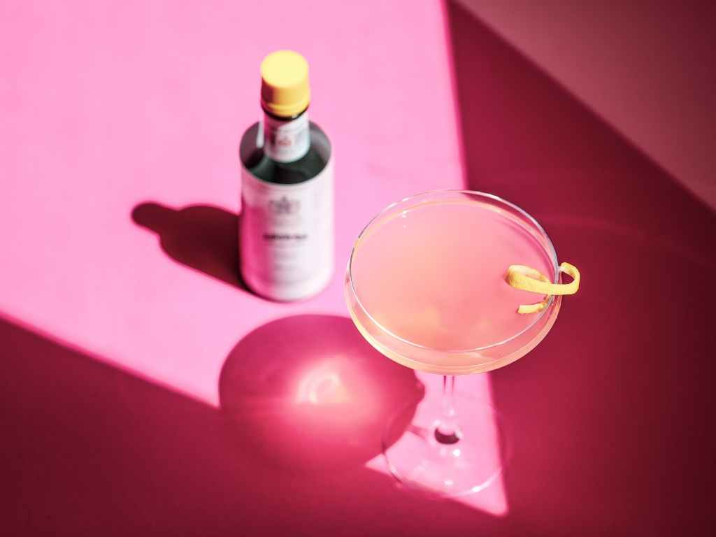 Pink Gin Recipe by Angostura Bitters for World Gin Day – Cocktail Recipe