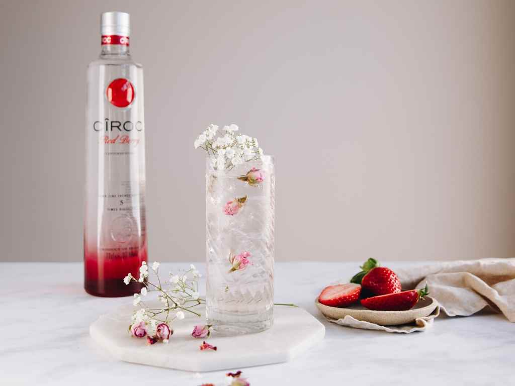 How to Make the CÎROC Red Berry Special  – cocktail recipe