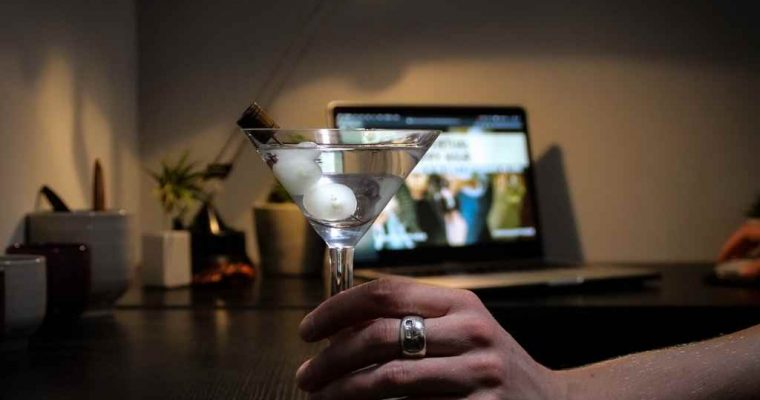 Have #TheVirtualHappyHour to support the hospitality industry