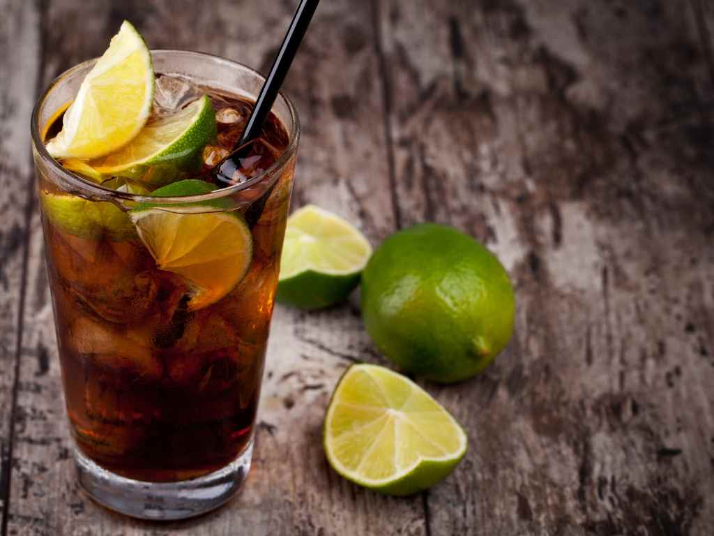 How to Make a Cuba Libre – Cocktail Recipe