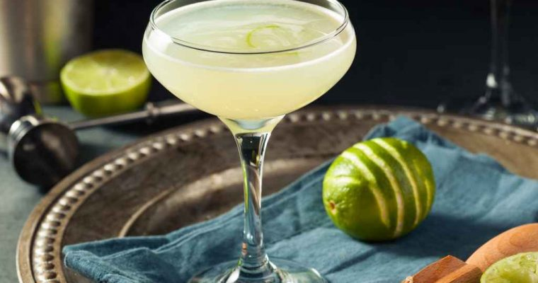 How to Make the Gin Gimlet