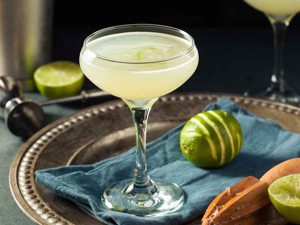 How to Make the Gimlet – Cocktail Recipe