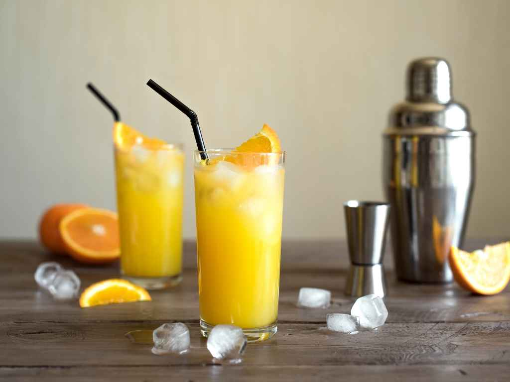 How to Make a Harvey Wallbanger – Cocktail Recipe
