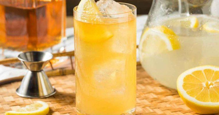 How to Make the Bourbon Lemonade