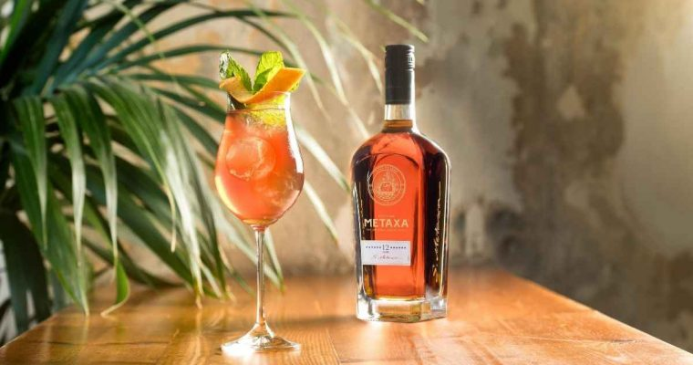 How to Make the Metaxa Spritz