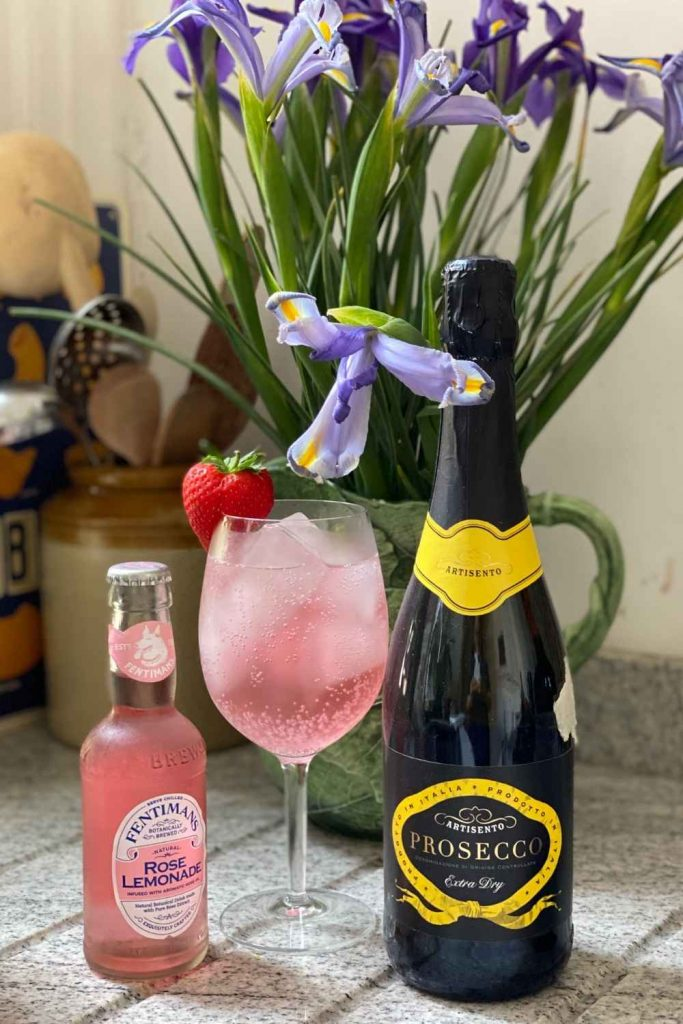 Pink Gin Spritz cocktail with Lemonade and Prosecco