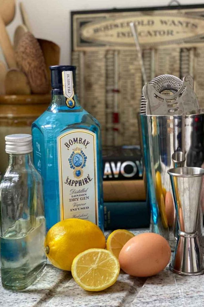 Ingredients for the gin fizz