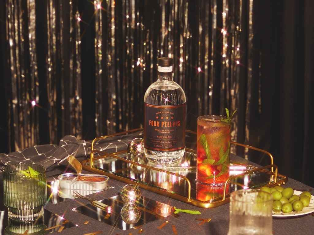 How to Make the Four Pillars Gin and Tonic Smash