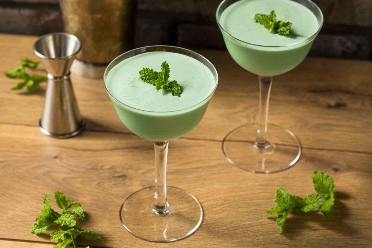 How to Make a Grasshopper Cocktail