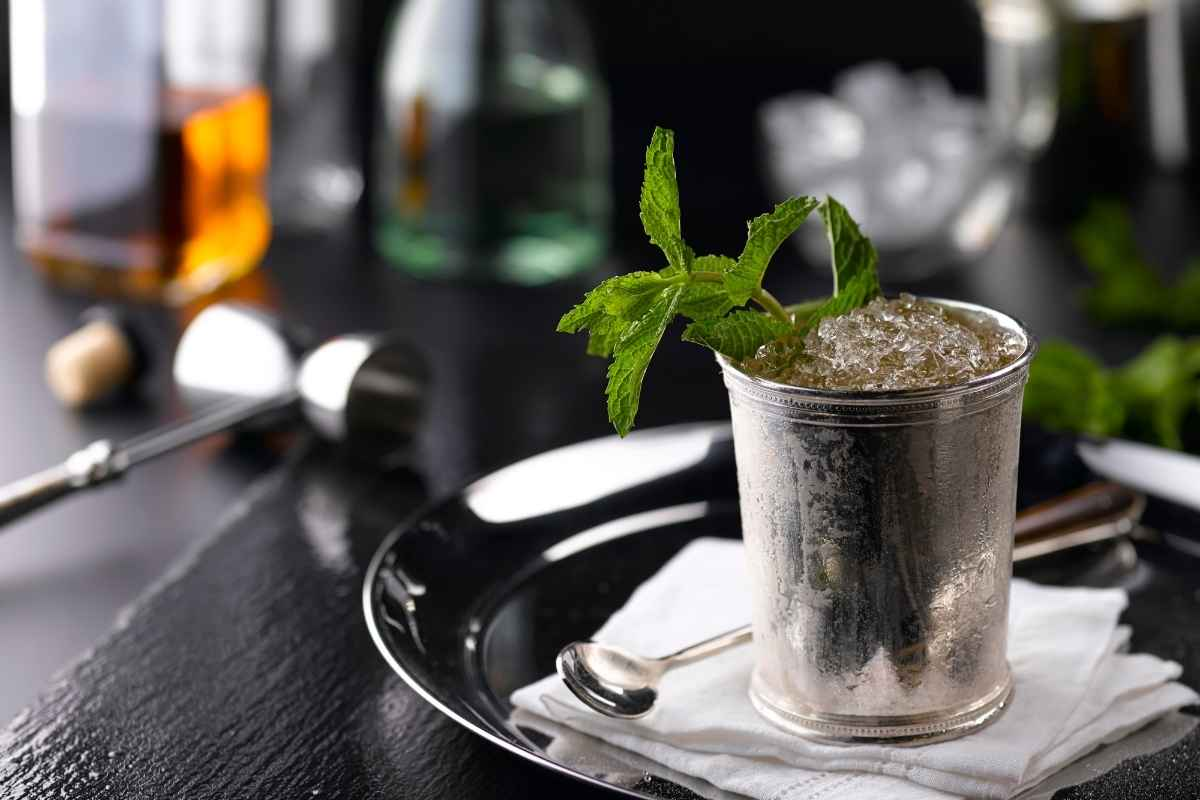 How to Make the Kentucky Derby Mint Julep