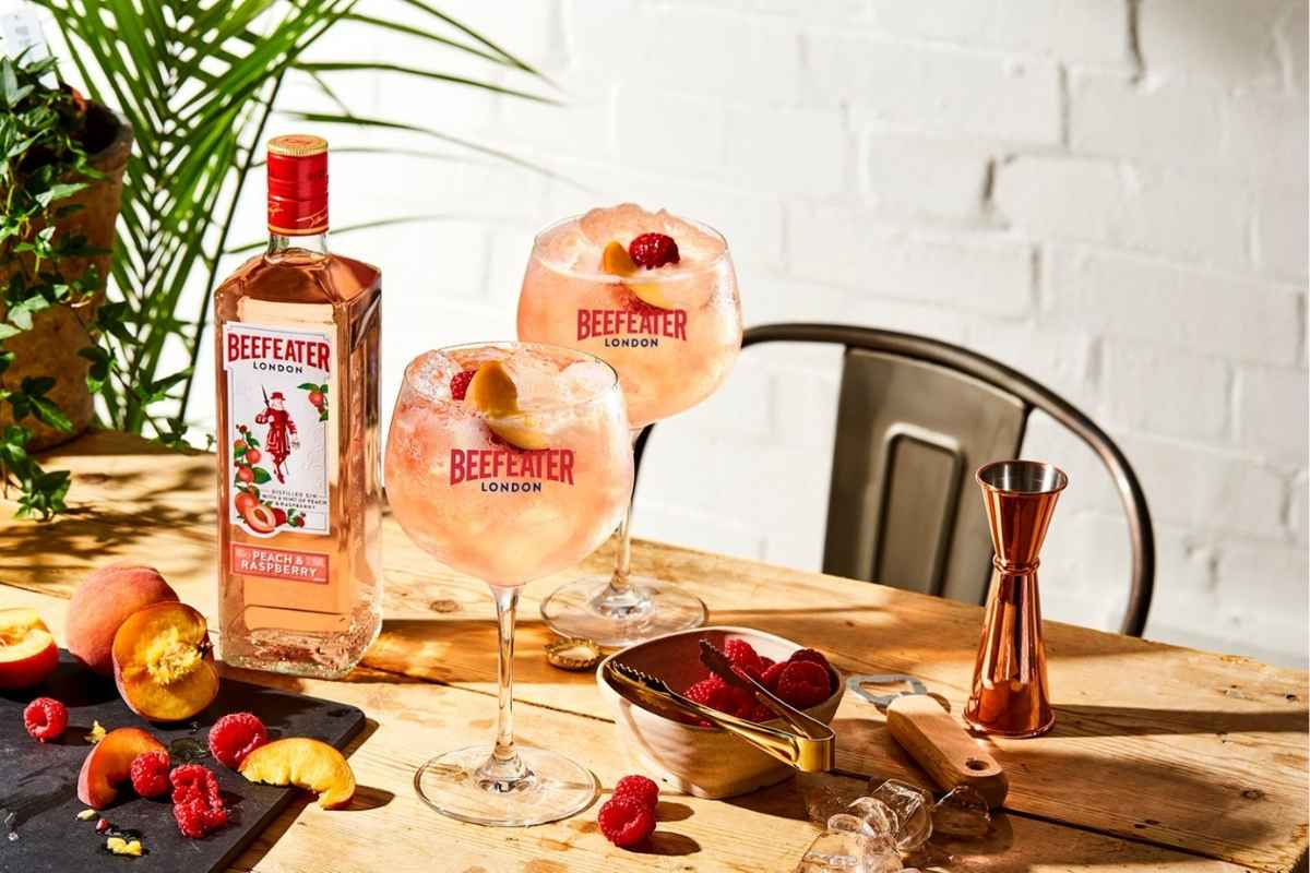 How to Make Beefeater Peach & Raspberry Gin and Tonic