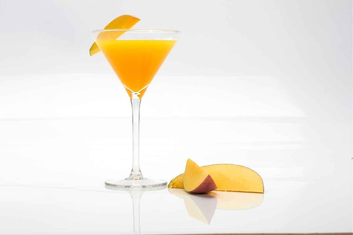 How to Make a Mango Martini