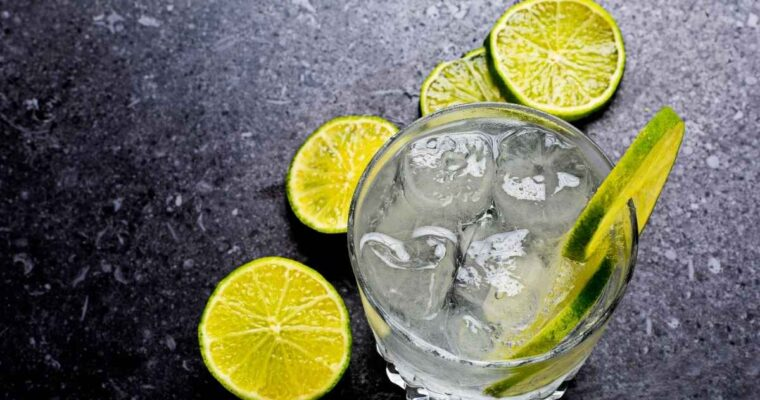 How to Make the Gin Rickey